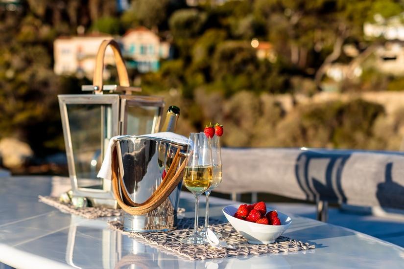 champagne sur un yacht